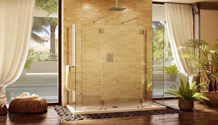 Grande doccia in camera a vista