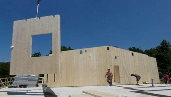 Case in legno: montaggio delle pareti