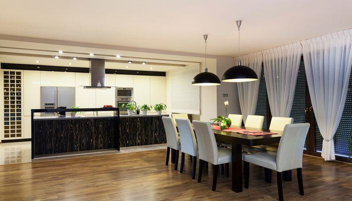 soggiorno con cucina a giorno