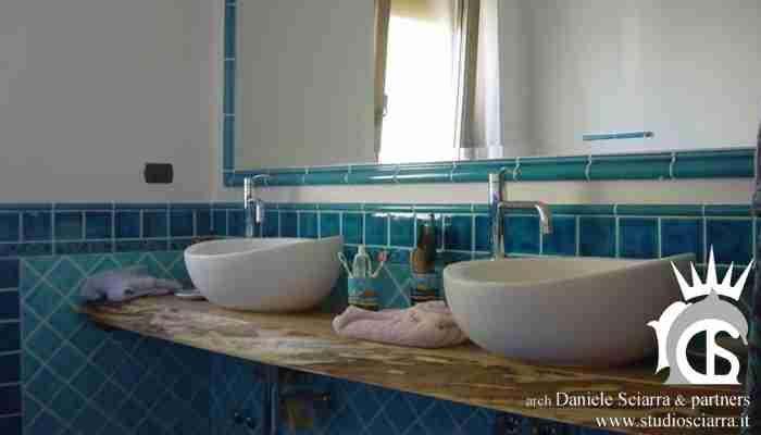 Il bagno azzurro tra antico e moderno