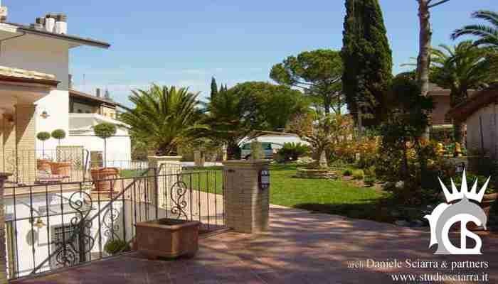 Il giardino e la villa dopo la ristrutturazione
