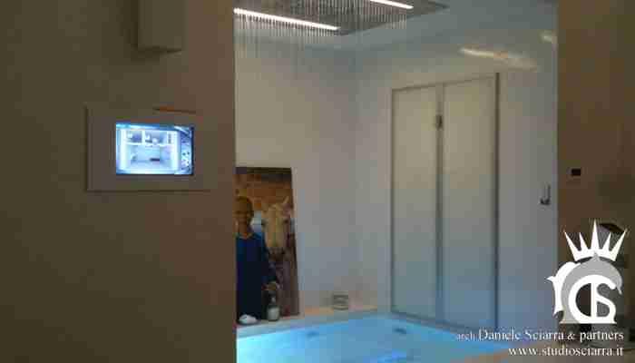 La zona benessere comandata dalla domotica touch screen