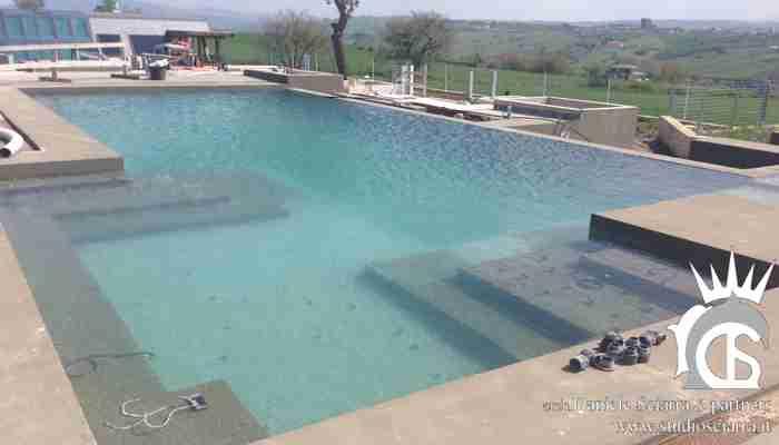Le oasi idromassaggio all'interno della piscina
